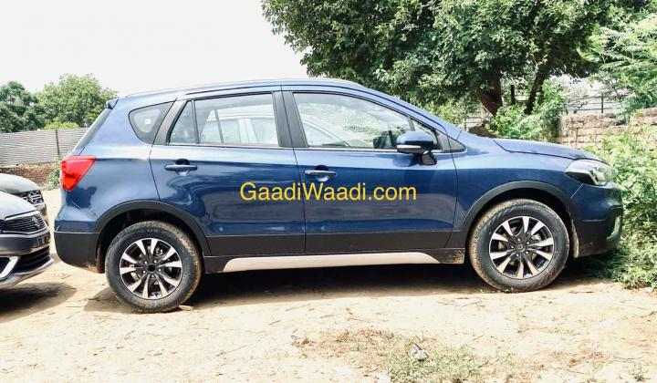 Maruti S-Cross 1.5L Petrol spotted ahead of launch