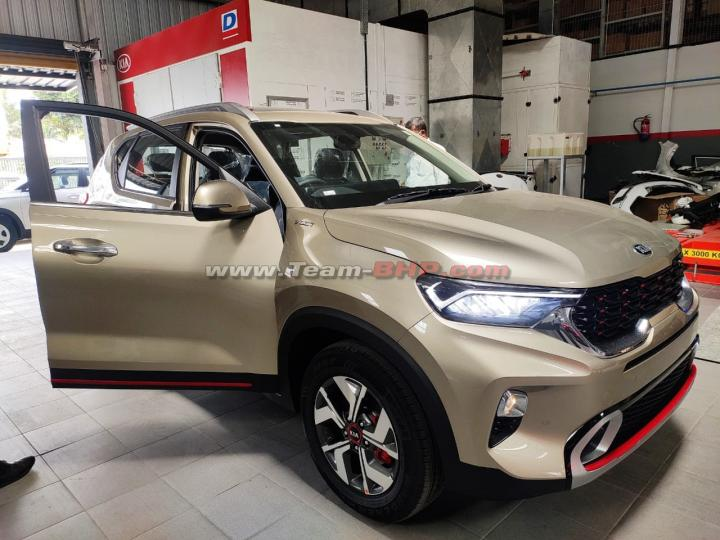 More Pictures & Video: Kia Sonet reaches the showroom