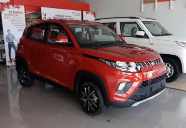 Mahindra KUV100 NXT spotted at dealership