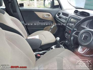 Jeep Renegade caught testing; interior spied