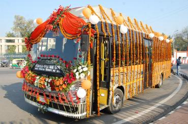Tata Motors begins supply of 40 electric buses to Lucknow
