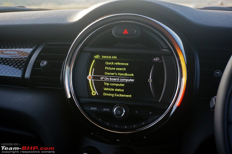 A 6 5 Infotainment Display Placed In The Circular Console At Center Of Dash Semi Led Light Surrounds Screen And Changes Colours To