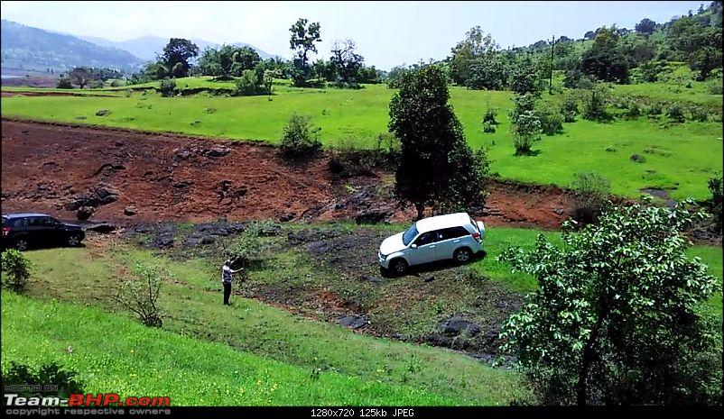 2 Grand Vitaras go offroading - At Panshet Lake-white-going-down-final-slope.jpg