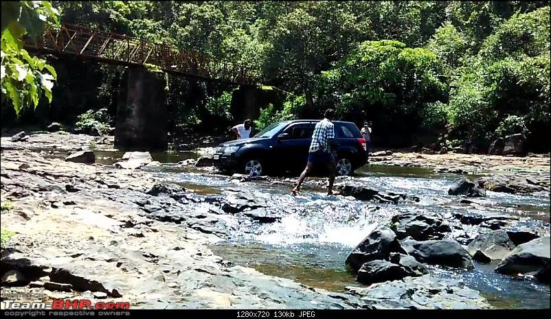 2 Grand Vitaras go offroading - At Panshet Lake-017a-getting-stuck-again.jpg