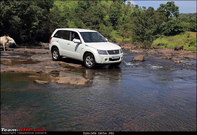2 Grand Vitaras go offroading - At Panshet Lake-028-getting-into-watercompressed.jpg