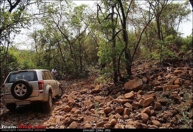 2 Grand Vitaras go offroading - At Panshet Lake-img_5064.jpg