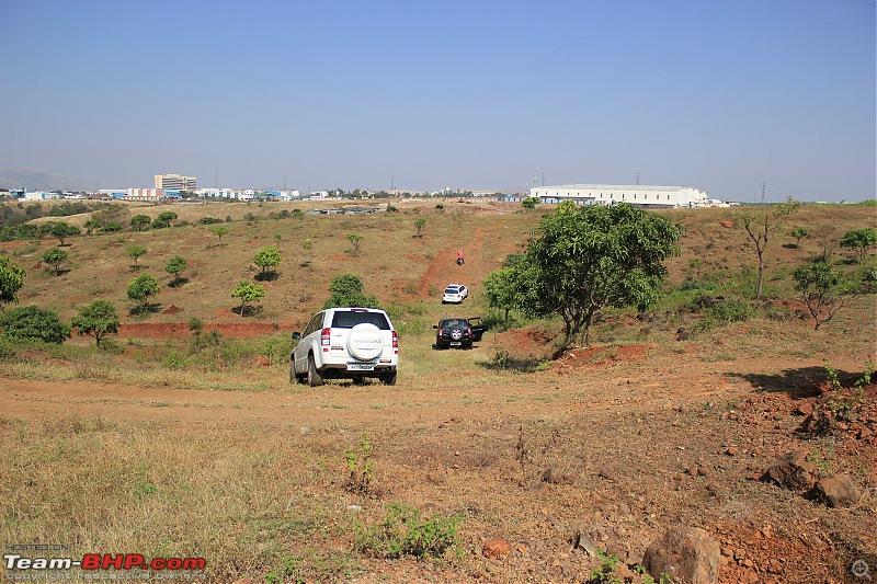 A Mercedes GL, 2 Grand Vitaras, a Sugarcane farm and a tow cable-002-driving-field.jpg