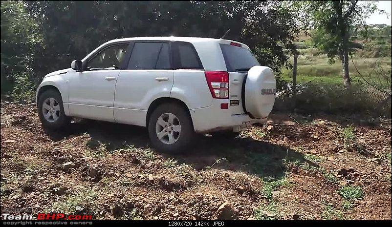 A Mercedes GL, 2 Grand Vitaras, a Sugarcane farm and a tow cable-031-mt-after-crossing-one-furrow.jpg