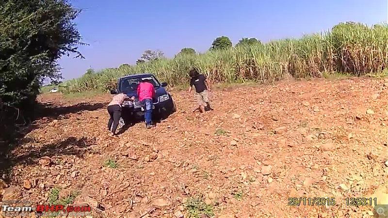 A Mercedes GL, 2 Grand Vitaras, a Sugarcane farm and a tow cable-038-dhakka-maar.jpg