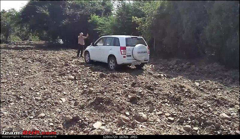 A Mercedes GL, 2 Grand Vitaras, a Sugarcane farm and a tow cable-049-mt-after-tow.jpg