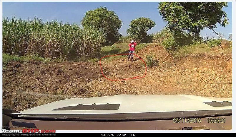 A Mercedes GL, 2 Grand Vitaras, a Sugarcane farm and a tow cable-053-view-difficult-exit-showing-wedge.jpg