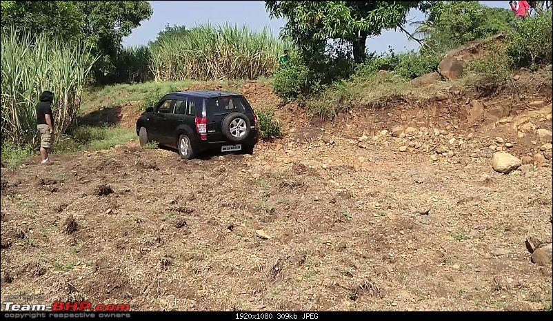A Mercedes GL, 2 Grand Vitaras, a Sugarcane farm and a tow cable-054a-turning-into-difficult-exit.jpg