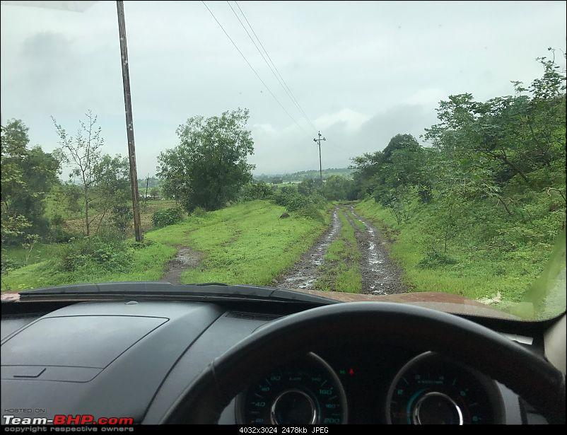 Mahindra XUV500: Having some AWD fun-trails.jpg