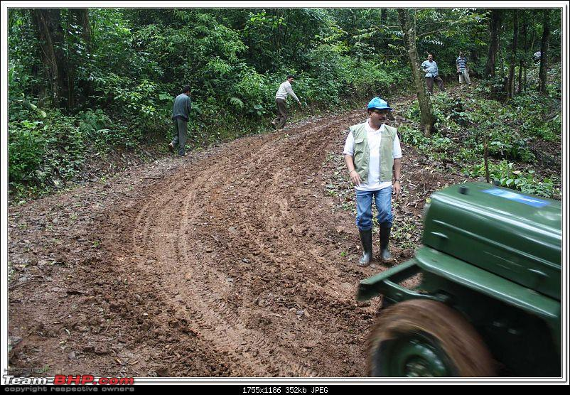 4th Escape to the Nature Offroading at SOMWARPET (Coorg)  ON 8th Aug2009.-s25.jpg