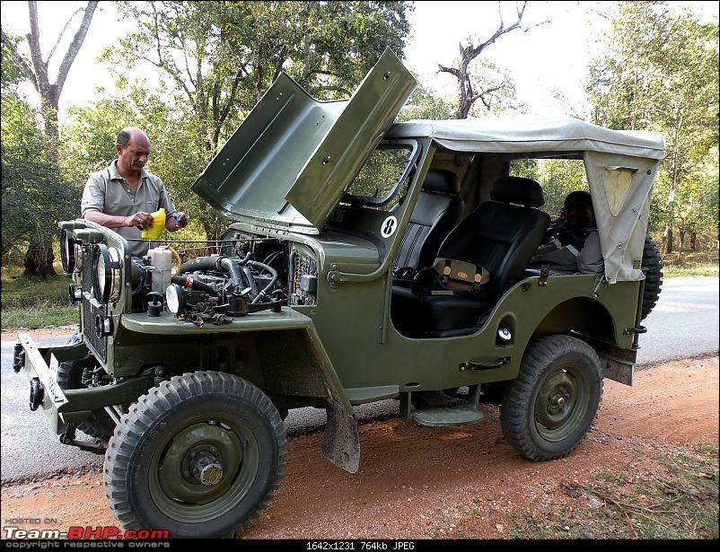 CJ3b on steroids-brake-oil-cheak-before-ghat-road.jpg