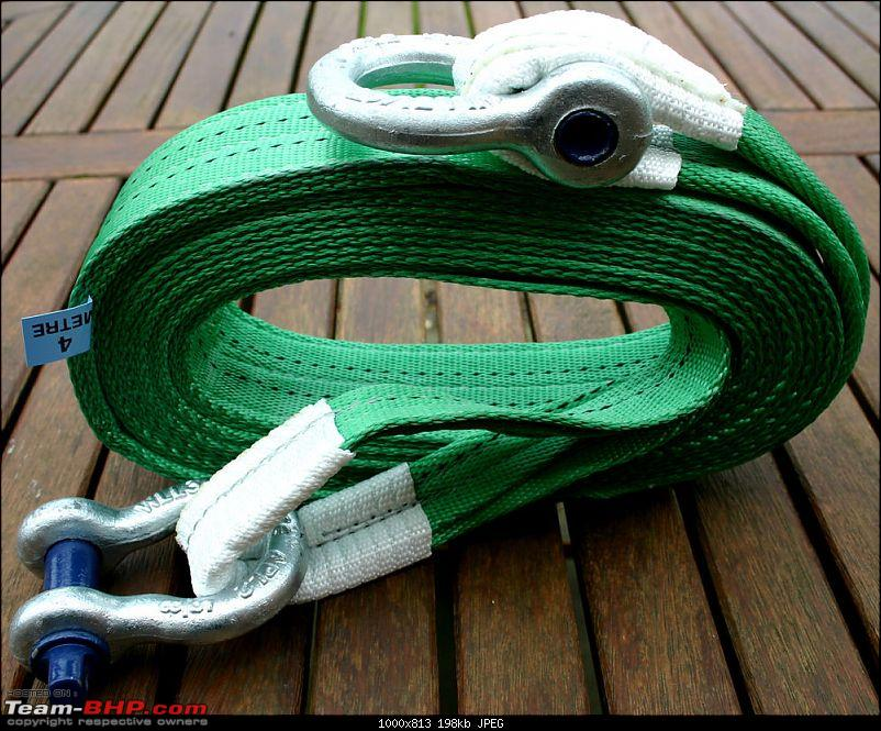 Places to buy stuff for Off-Roading/4x4 in India-tow-rope-bow-shackles.jpg