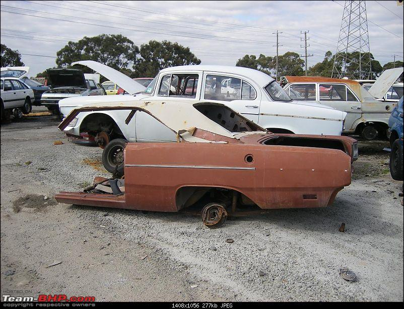 Pics of Vintage Cars rusting - Across the world-mums-benz-401.jpg