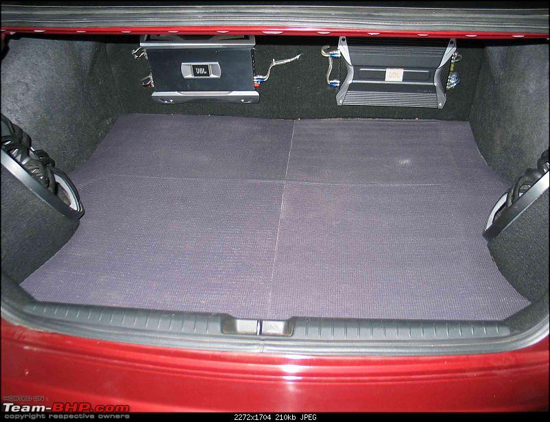 DIY - Yogamat in the boot of Civic-another-view1.jpg