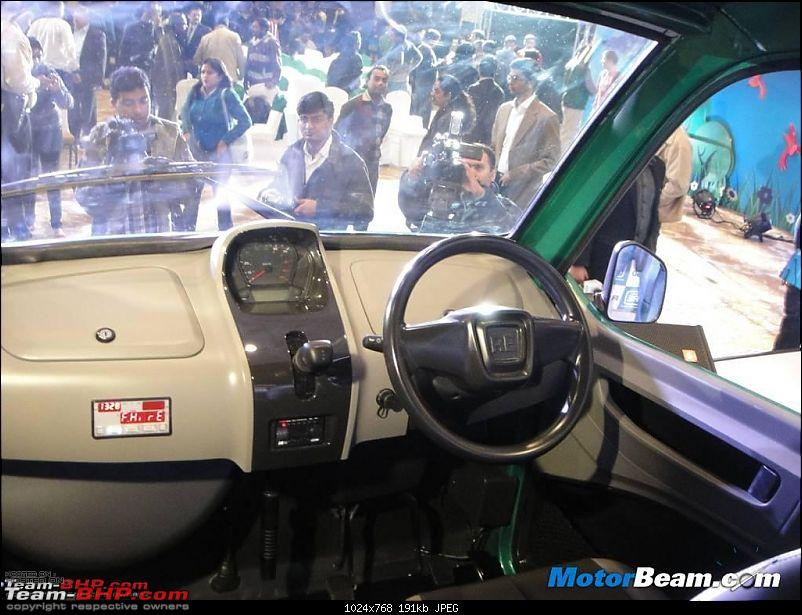 The Bajaj Qute (RE60)-2012_bajaj_re60_interior.jpg