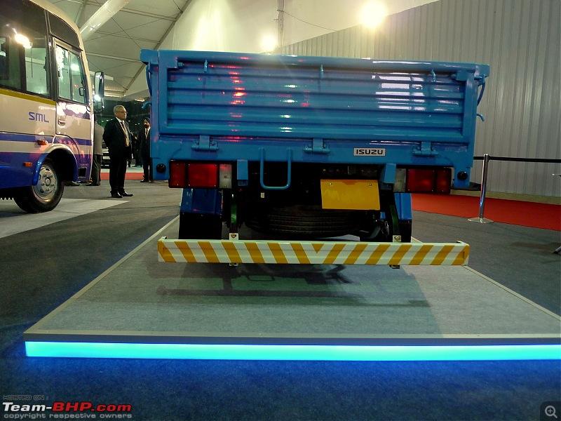 SML Isuzu @ Auto Expo 2014-6p1410003.jpg