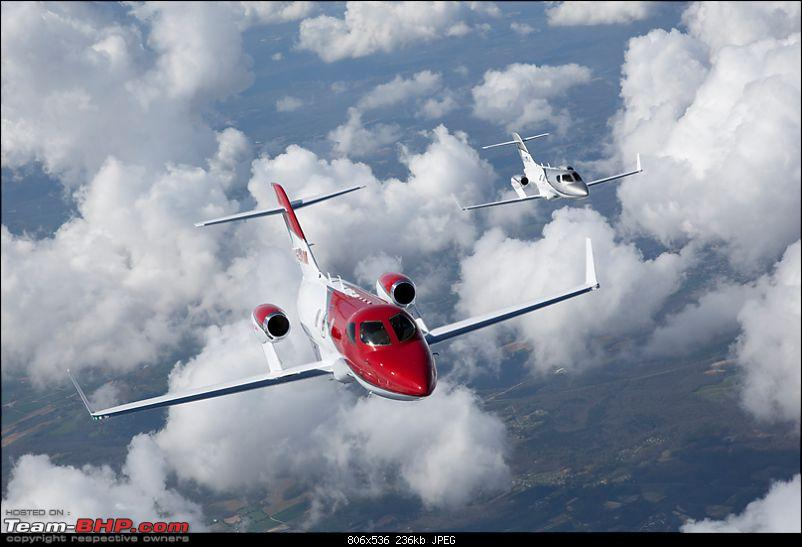 HondaJet: Honda's first Airplane-formationflight.jpg