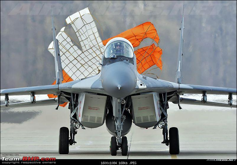 MiG-29 Fulcrum : The balance rests on us-mig29_landing_chute.jpg
