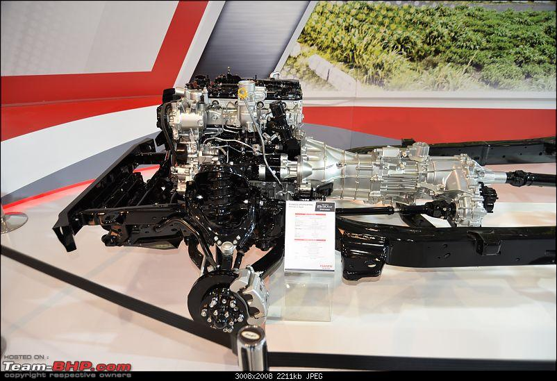Isuzu @ Auto Expo 2016 (including the D-Max V-Cross)-3-2.jpg