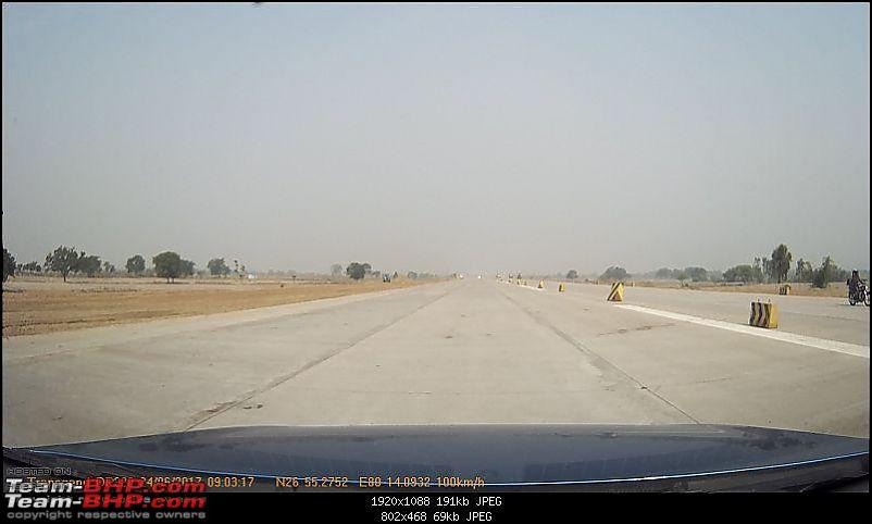 Air Force C-130J Transport Aircraft lands on the Lucknow-Agra Expressway-1-66.jpg