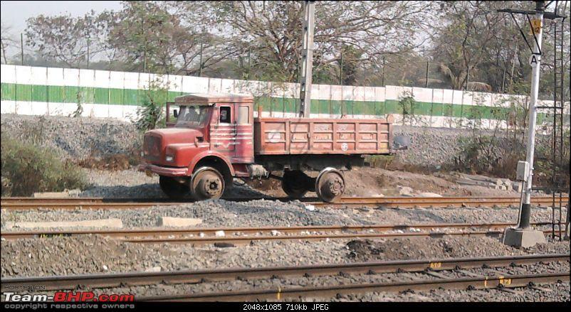What is this? (Truck on rails in Belgaum)-photo0427.jpg