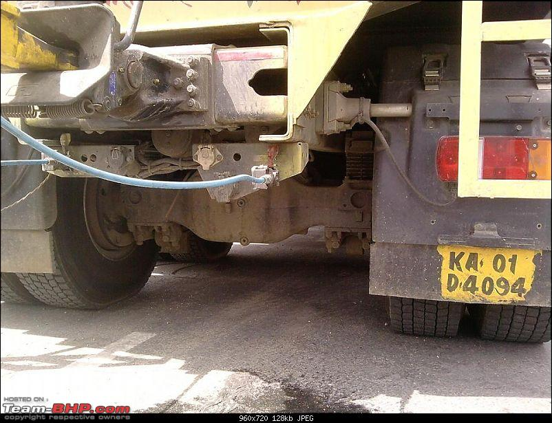 106 Tyred Volvo Trailer & other Over-Size Cargo movers-axles.jpg