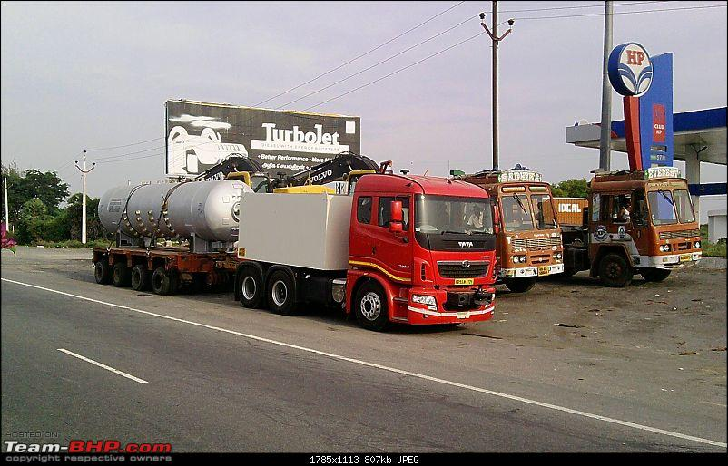 106 Tyred Volvo Trailer & other Over-Size Cargo movers-p280511_17.05_01.jpg