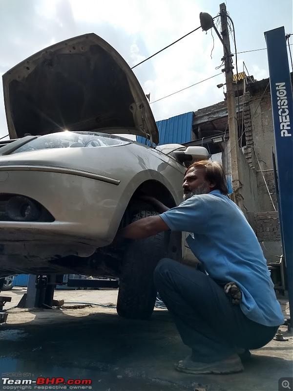 Friendly Neighbourhood Garage & Tata Specialist - Vijay & Pandit (Delhi)-vijay-brake-bleed.jpg