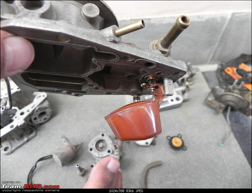 DIY : Great way to use a Sunday Part I - Carb Cleaning of Maruti 800-4-float-chamber1.jpg