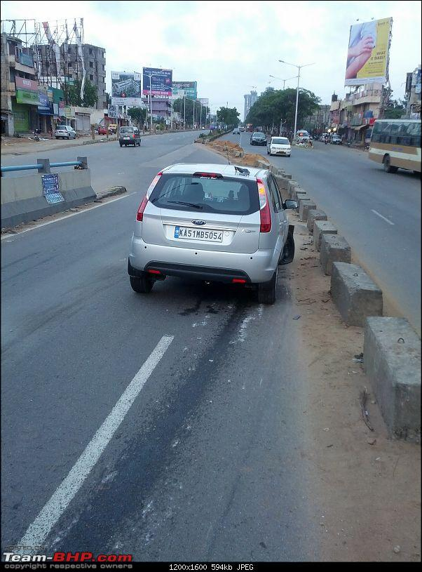 When road dividers crash into you for a change!-img_20140726_061427.jpg