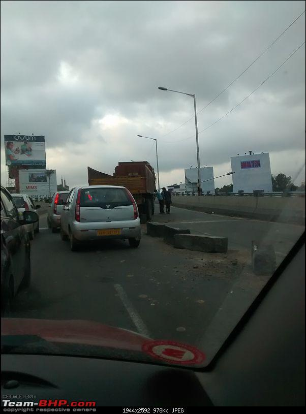When road dividers crash into you for a change!-img_20140912_0627004371.jpg