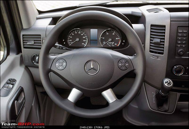 10-2 steering position? Nope, it's 9-3 for Airbag-equipped cars-2014mercedesbenzsprintersteeringwheeljpg.jpg