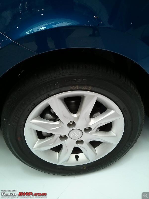 On the Tata Bolt Hatchback-5frontalloywheelwithdiscbrake.jpg