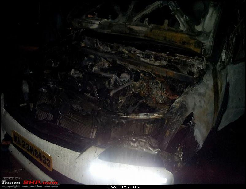 Accidents : Vehicles catching Fire in India-innova_fire.jpg