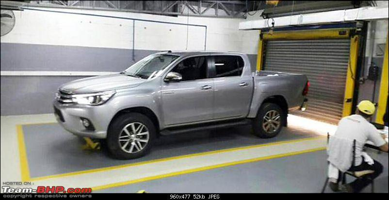 New Toyota Fortuner caught on test in Thailand-x2016_toyota_hilux_spy_photos_1_jpg_pagespeed_ic_tzya5cwjzmzlqkoajg4x.jpg