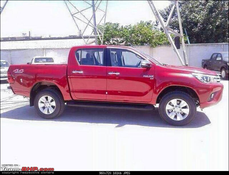 New Toyota Fortuner caught on test in Thailand-toyotahilux7.jpg