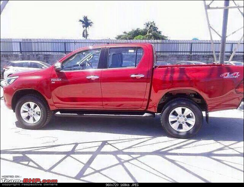 New Toyota Fortuner caught on test in Thailand-toyotahilux8.jpg