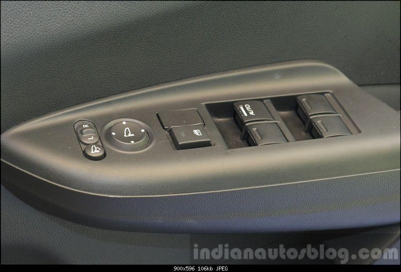 The 2015 Honda Jazz (3rd-gen)-2015hondajazz1.2vxmtwindowbuttonsindia900x596.jpg
