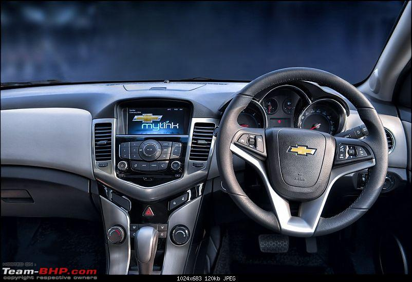 Chevrolet Cruze gets a minor facelift & more features for 2016-new-chevrolet-cruze-2016-adds-mylink-infotainment-system.jpg