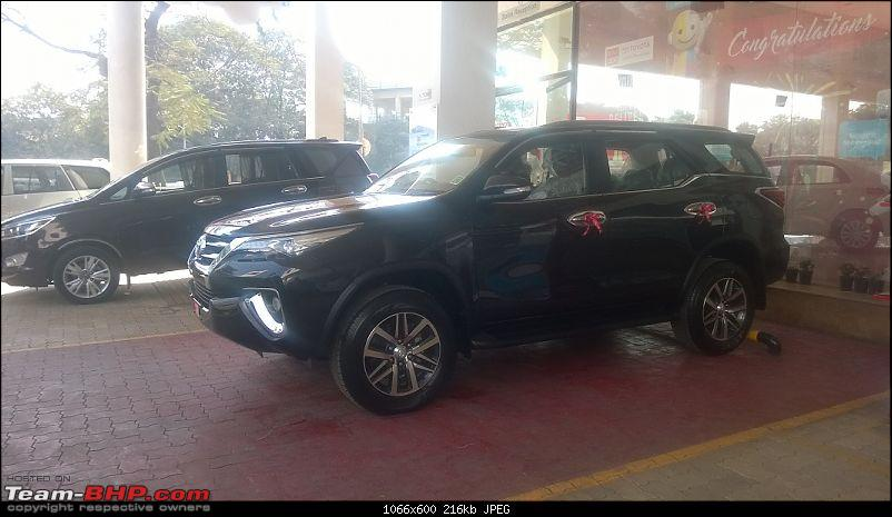 Scoop! Next-gen Toyota Fortuner spotted. EDIT: Preview on page 14-wp_20161124_02430pc.jpg