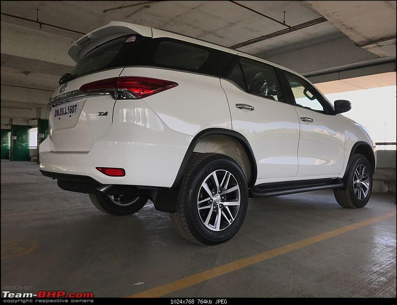 Scoop! Next-gen Toyota Fortuner spotted. EDIT: Preview on page 14-imageuploadedbyteambhp1480054264.007967.jpg
