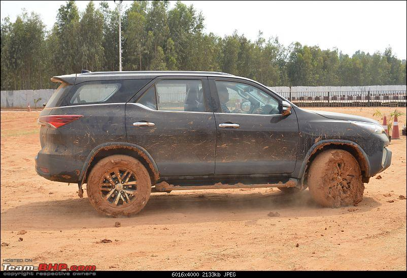 Scoop! Next-gen Toyota Fortuner spotted. EDIT: Preview on page 14-dsc_0026-copy.jpg