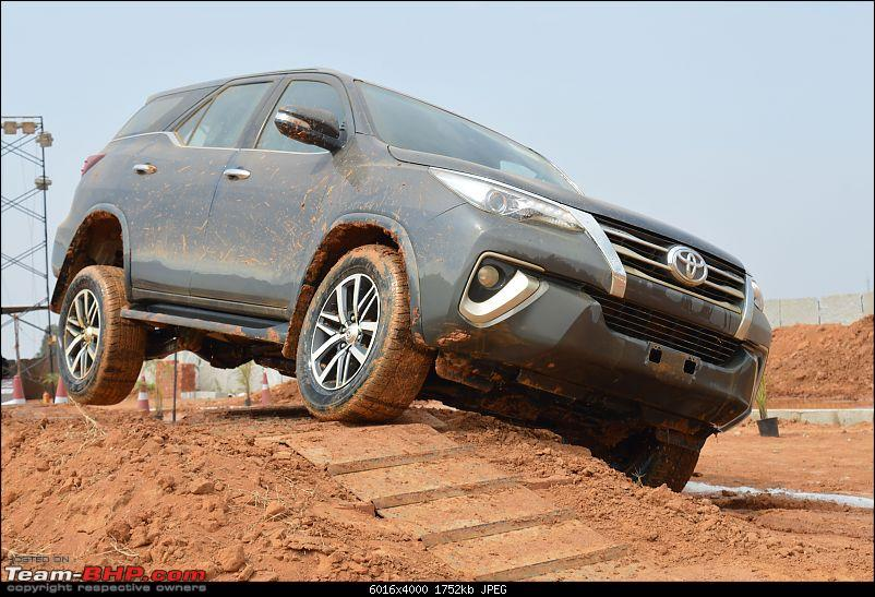 Scoop! Next-gen Toyota Fortuner spotted. EDIT: Preview on page 14-dsc_0058.jpg