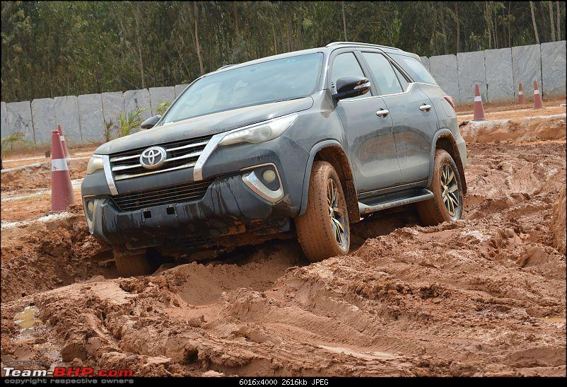 Scoop! Next-gen Toyota Fortuner spotted. EDIT: Preview on page 14-dsc_0141.jpg
