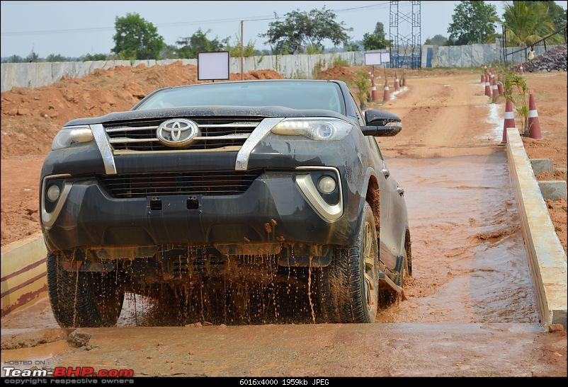 Scoop! Next-gen Toyota Fortuner spotted. EDIT: Preview on page 14-dsc_0192.jpg