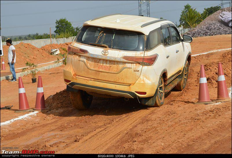 Scoop! Next-gen Toyota Fortuner spotted. EDIT: Preview on page 14-dsc_0256.jpg